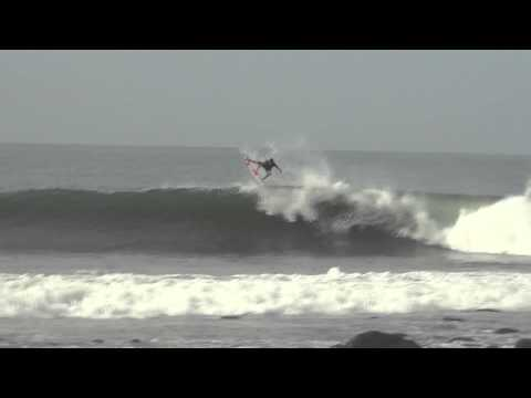 Massive Airs Surfing Punta Roca El Salvador