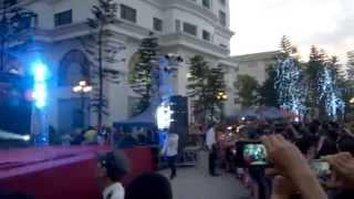 No say ben ( live )  -  Vanh LEG Royal city Girt Fair 8 - 6