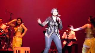 Shreya Ghoshal Hot Performance