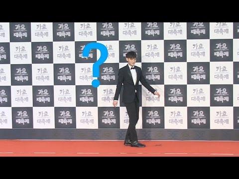 EXO(엑소) 타오(TAO), 다 어디가고 '나 홀로 포토월에'