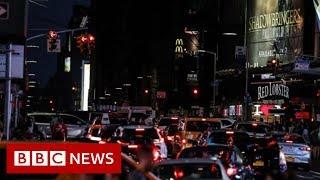 Parts of New York City go dark after power cut - BBC News