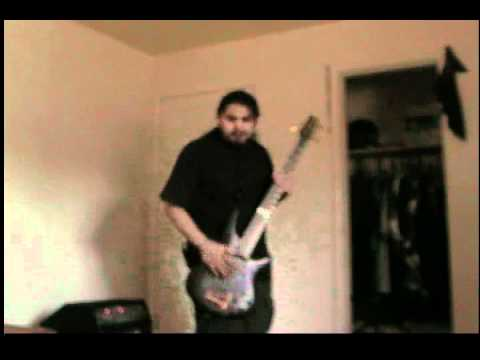 Baixar Korn (Bass Cover)- Alone I Break