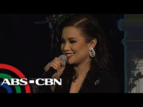 Baixar Lea Salonga sings Robin Thicke's 'Blurred Lines' on Playlist Concert