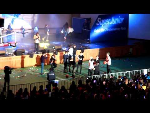 121020 Super Junior's 7th anniversary Party - 14