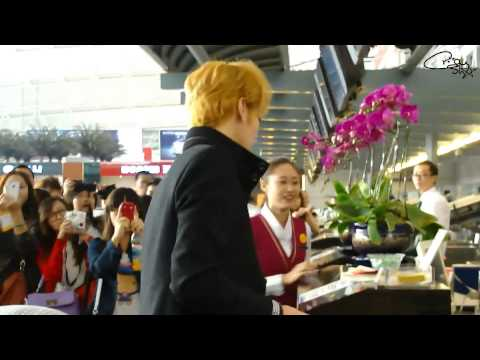 [Fancam] 121115 Handsome Kris @ Guangzhou Airport