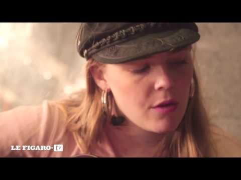 Maggie Rogers - 'Alaska' (Acoustic Session in Paris)