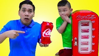 Lyndon Playing w/ Coca Cola Coke Vending Machine Toy for Kids