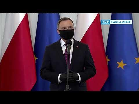 Prezydent Andrzej Duda wręczył odznaczenia państwowe oraz awanse generalskie funkcjonariuszom PSP