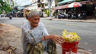 Gặp lại bà ngoại 88 tuổi bán 6 túi khoai lang sau 1 tháng nghỉ bán vì bệnh tật