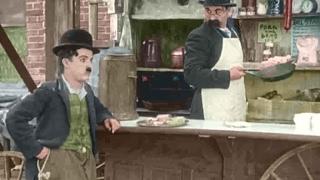 """چارلی چاپلین  در  """"چارلی گرسنه """""""