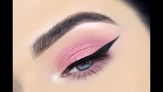 HOW TO: Winged Eyeliner for Hooded Eyes