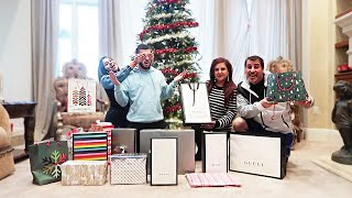 THE CRAZIEST CHRISTMAS GIFT OPENING! *What did everybody get me?!*