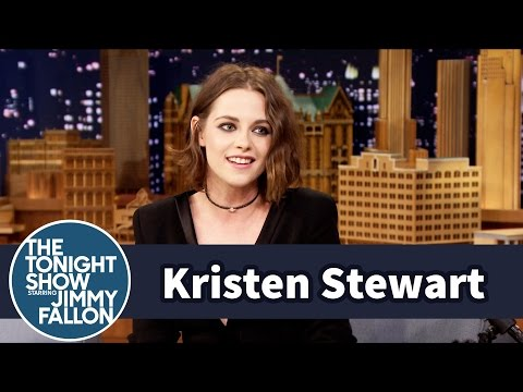 Kristen Stewart Really Does Smile a Lot, 