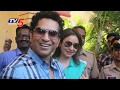 BMC Elections 2017 : Sachin Tendulkar Casts his Vote in Mumbai