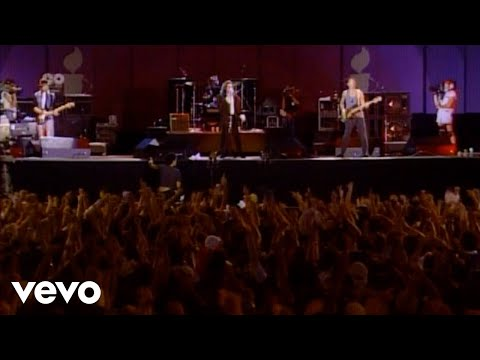 U2 - Sunday Bloody Sunday (Live)
