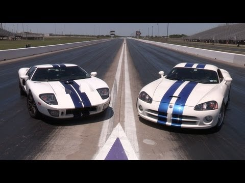 1100hp Ford GT vs 1100hp Viper