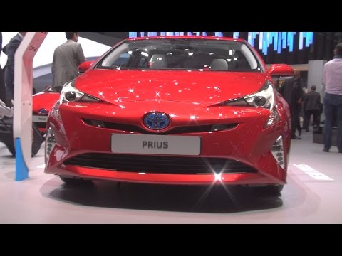 Toyota Prius Hybrid VVT-i (2016) Exterior and Interior in 3D