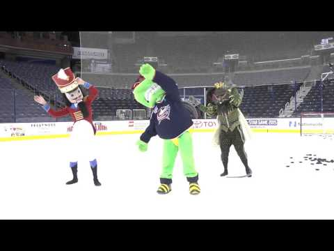 Stinger, Mouse King & Nutcracker dance-off