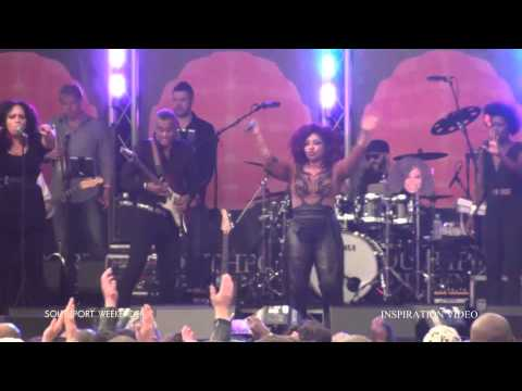 Chaka Khan & Incognito Live Concert at the Southport Weekender 50th