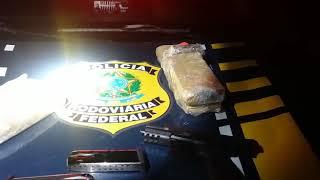 Criminosos com arma e drogas são presos na BR-260, em Caçapava do Sul