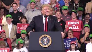 "Trump: ""I love Nebraska!"" - Fans chant ""Go Big Red!"""