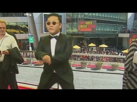 South Korean rapper Psy teaches