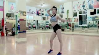 Tập thể dục thẩm mỹ cùng Hotgirl Hồ Hàm Hương