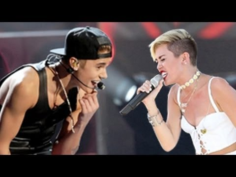 Baixar Justin Bieber Vs. Miley Cyrus Dance Battle -- Concert Performances
