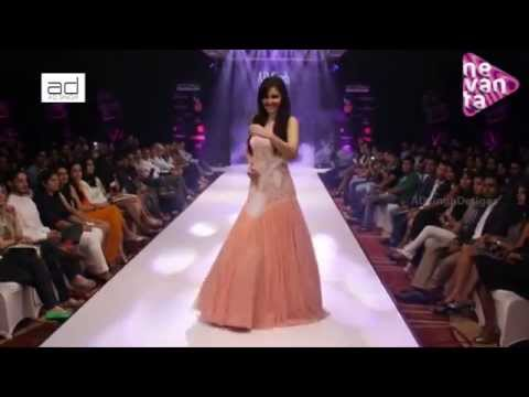AD Singh Collection - Pooja Chopra @ Pune Style Week 2014 - Post Show Interview