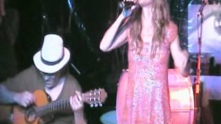 """Dedina Bernardelli e Domingos Oliveira cantaram """"La Malagueña"""" com Mario Féres ao violão no espetáculo """"4 Semanas de Amor"""""""
