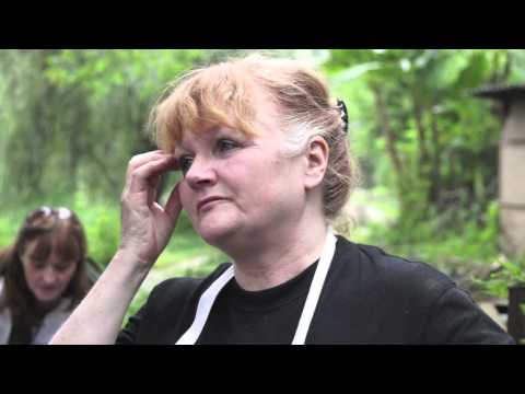 Lesley Nicol visits Animals Asia's sanctuary in Chengdu, China ...