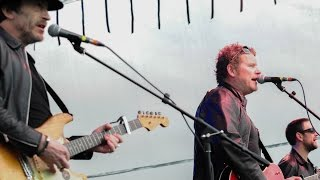 """In A Room"" by Dodgy performed at LeeStock Music Festival 2015"