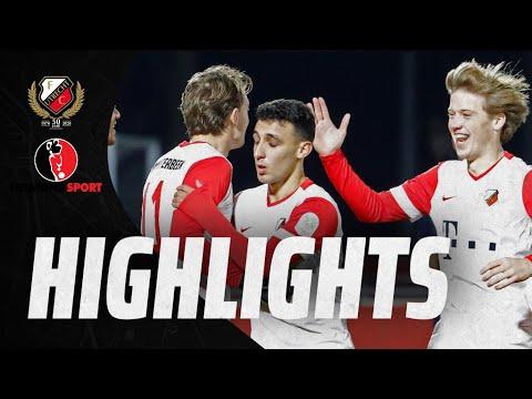 HIGHLIGHTS   Jong FC Utrecht - Helmond Sport