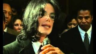 Michael Jackson at a court appearance