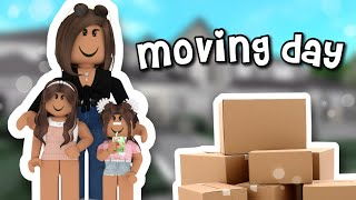 Moving day!!! | Roblox Bloxburg Family Roleplay | *WITH VOICE*