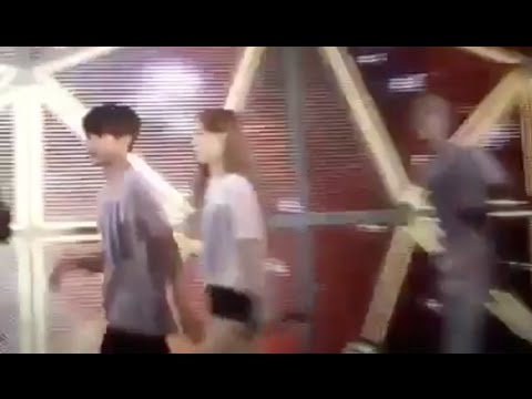 [Fancam] 141004 EXO Baekhyun & SNSD Taeyeon Cute Funny Moment at SMTOWN Tokyo