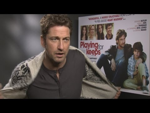 Gerard Butler strips off during interview!