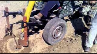 Посадка картошки мотоблоком МБ-90 (простейшая сажалка)