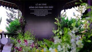 Thăm phần mộ của Cố Thủ tướng Phan Văn Khải cạnh người vợ quá cố