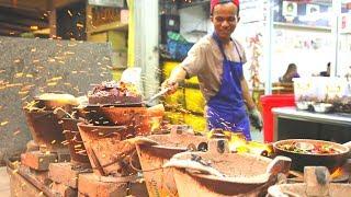 Unreal Kuala Lumpur MALAYSIAN STREET FOOD tour | Best street food in KL - durian cendol + nasi kukus