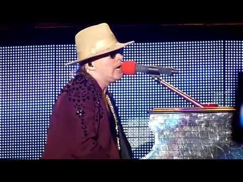 Baixar Guns N' Roses - November Rain - Live HD 5-26-13 River City Rockfest