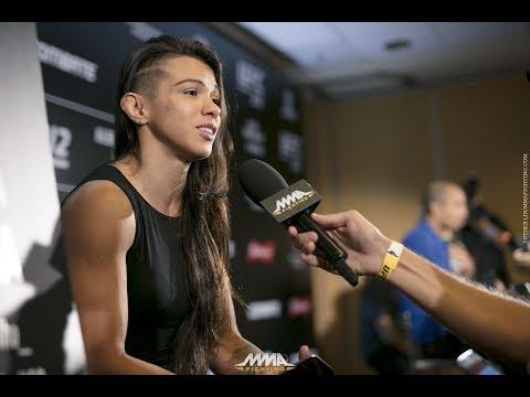 UFC 212: Claudia Gadelha nie chce walczyć o pas po wygranej z Kowalkiewicz