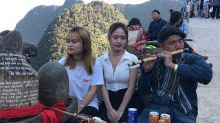 Cô gái Thái nguyên xinh đẹp mê tiếng sáo cầu duyên A Páo