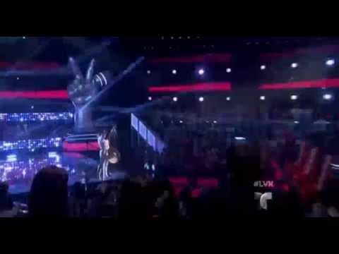Pedro, Natalia y Daddy Yankee pasan por el escenario