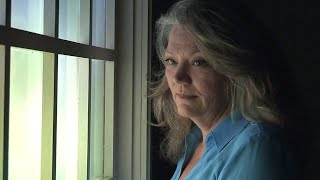 Woman Says She Wants Estranged Husband To Sign Divorce Papers And 'Leave Me Alone'