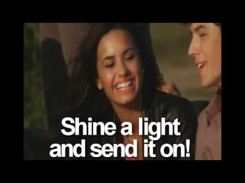 Baixar Send it On - Disney Channel Stars - OFFICIAL FULL MUSIC VIDEO + Lyrics on screen