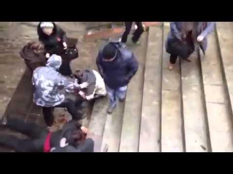 Харьков (13 апреля 2014) - избиение сторонников единой Украины