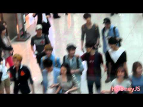 120726 EXO M at Incheon Airport go to Thailand