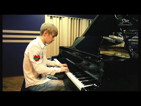Henry 헨리_Playing 'TRAP' Piano ver. & Chopin Waltz No.7