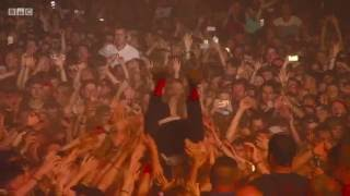 Tyler Joseph Attacked While Crowd-Surfing at Reading and Leeds